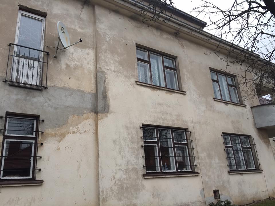 スギハラハウス・外壁の状態と劣化具合1(池田大平撮影)
