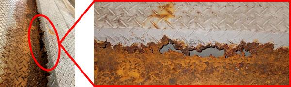 錆びが進行し穴が開きパレット交換を余儀なくされるパレット